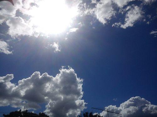 Día 09: Este es el clima de hoy (This is the weather today). #FMSPhotoADay  Parcialmente nublado, pero hermoso (Partly cloudy, but beautiful)