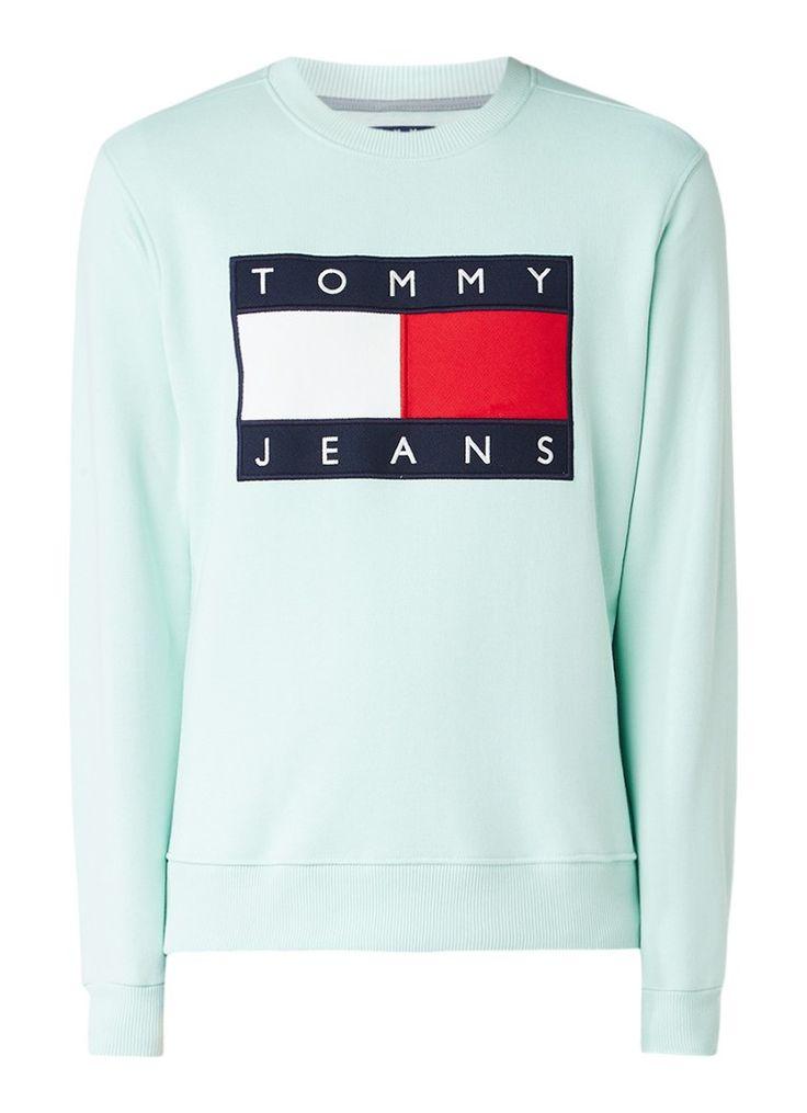 Op zoek naar Tommy Hilfiger 90s sweater met logo applicatie ? Ma t/m za voor 22.00 uur besteld, morgen in huis door PostNL.Gratis retourneren.