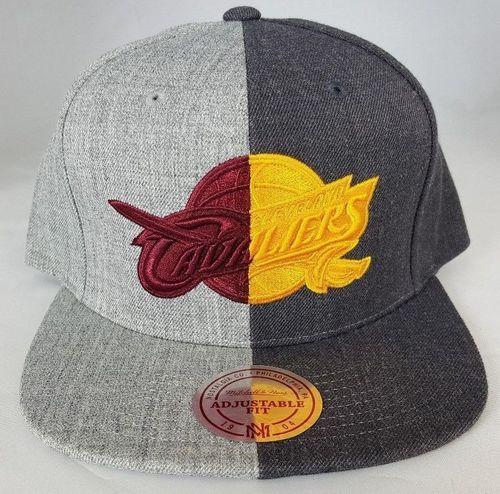 Mitchell and Ness NBA Cleveland Cavaliers Logo Split Heather Snapback Cap