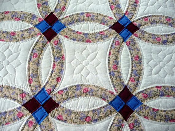 Traditional Amish Double Wedding Ring Quilt By