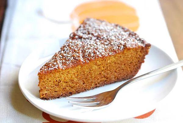 Mis gibi bir balkabaklı kek ile gündemi açıyoruz...