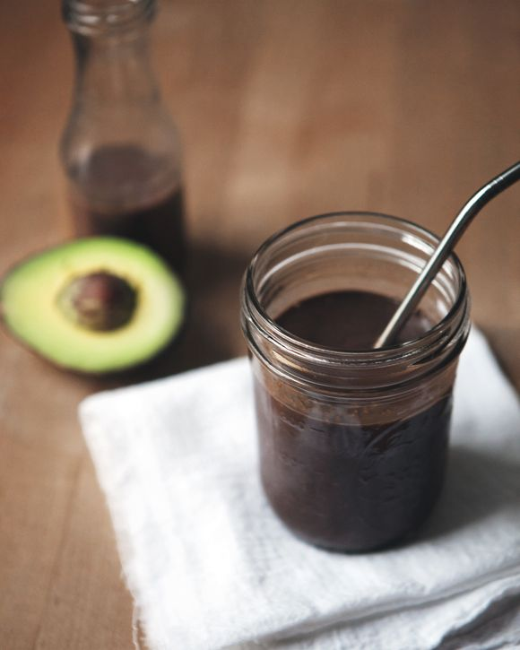 Love Foods: Chocolate Avocado Smoothie from the fp blog. looks and sounds amazingly delicious! totally gonna make this for my parents soon... 1. cuz my dad is obsessed with avocado and 2. cuz my mom HATES avocado and i wanna see if she likes this haha