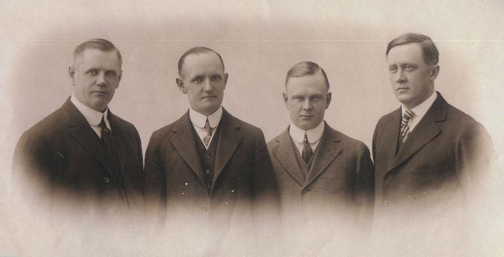 The four Harley-Davidson founders: Bill Davidson, Walter, Arthur & Bill Harley 1910s