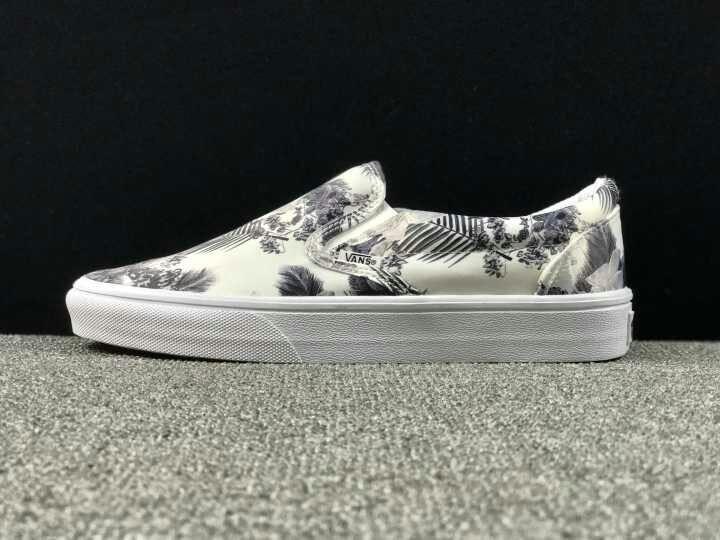 Skate Shoes #Vans   Vans slip