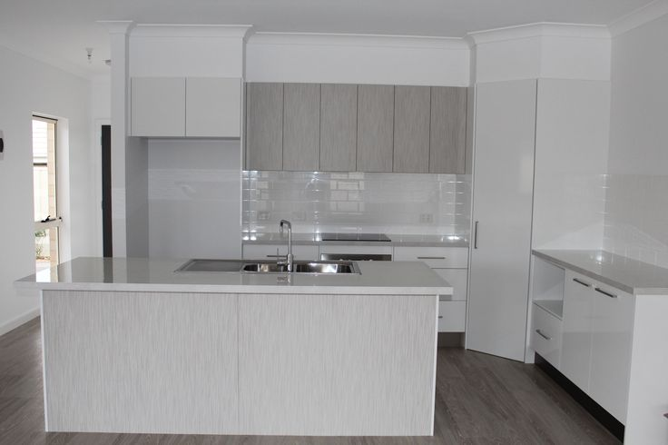 Benchtop - Laminex White Valencia Diamond Gloss Panels - Formica Snowdrift Gloss Feature Panels - Formica Smoke Strand Velour