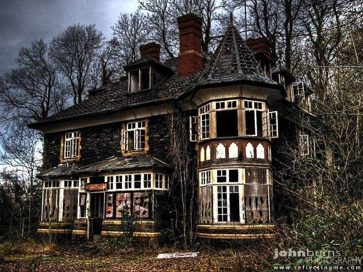 Clawdd Mansion - Edwardian house on the Bulmore Road, Caerleon. This is a great story :)