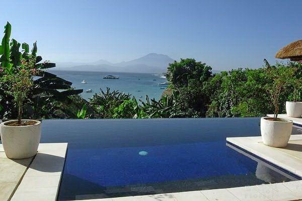 Villa Pisang | 2 bedrooms | Nusa Lembongan, Bali #swimmingpool #bali #villa #ocean #mountain #view