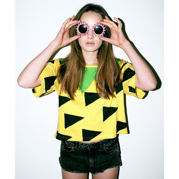 Lazy Oaf Pineapple Crop T-shirt ($44) ❤ liked on Polyvore featuring tops, t-shirts, pineapple crop top, pineapple t shirt, pineapple print top, pineapple top and crop tee