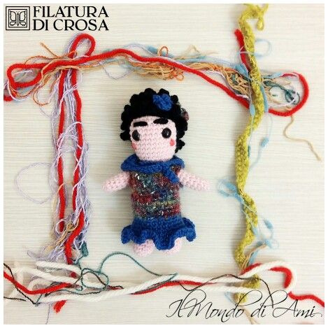 "Portachiavi Frida Khalo realizzata con filato ""Zarina"" e ""Zara"" Filatura di Crosa #frida #fridakhalo  #bambola #doll #amigurumi #amigurumidoll #crochet #uncinetto #handmade #fattoamano #filato #filaturadicrosa #tricot #yarn #instacrochet"