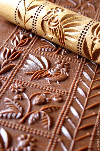 кондитерская форма подарок кулинару выпечка печенья резьба по дереву уютный дом подарок кондитеру подарок повару скалка для печенья скалка для пряников пряничная скалка шоколад шоколадный цвет