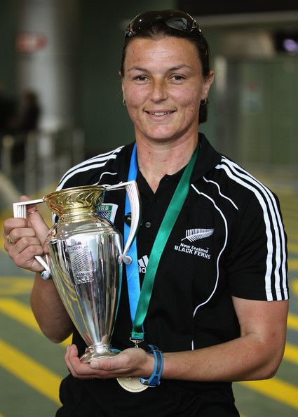 Melissa Ruscoe, captain of 3 sports (soccer, 7s and 15s) was Black Ferns captain of WC 2010.