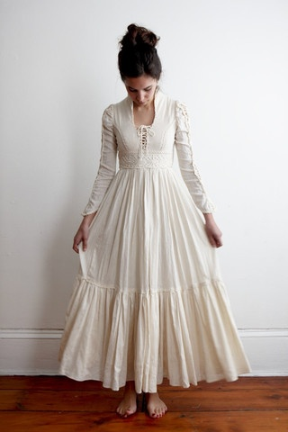 Gunne Sax Dress...everyone wanted one! ( And I have one!, saw it and it was the most perfect thing for me)