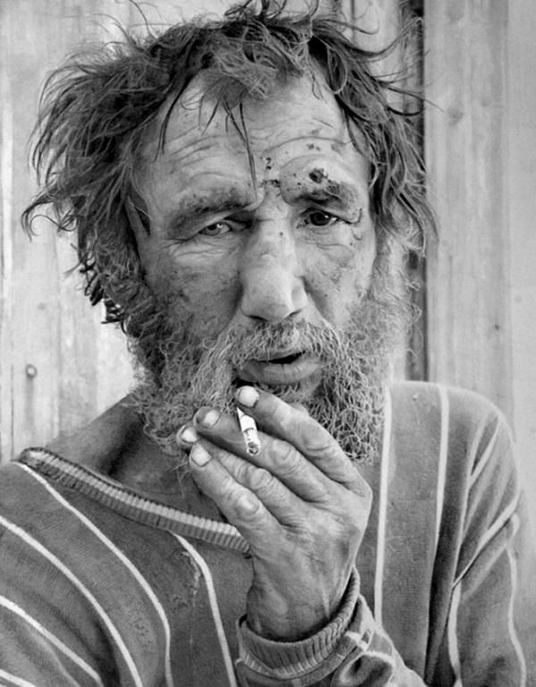 awesome hyperrealistic drawings by Paul Cadden