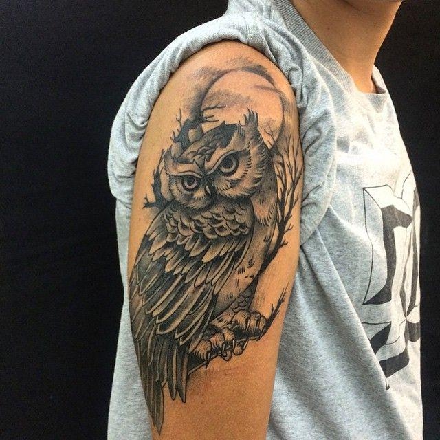 """Tatuagem feita por <a href=""""http://instagram.com/diegoparroy"""">@diegoparroy</a>!  Com quantos anos você fez sua primeira tattoo?"""