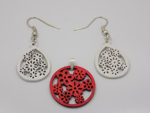 Earrings and pendant set by GinaKittysJewels on Etsy