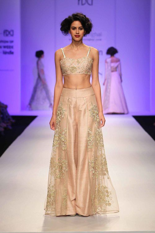 A French love song collection by Payal Singhal 2016