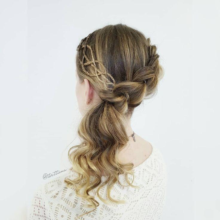 Braids & Hair by @terttiina Instagram: Diagonal pull through braid with braided accent!