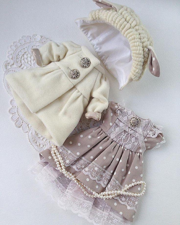 АУКЦИОН! Комплект одежды (платье, пальто и шапочка-овечка) и набор выкроек (…