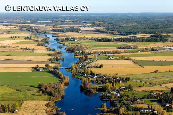 Nurmonjoki, joki- ja peltomaisema, Nurmo Ilmakuva: Lentokuva Vallas Oy
