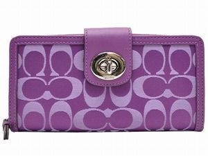 Purple Coach! I want this