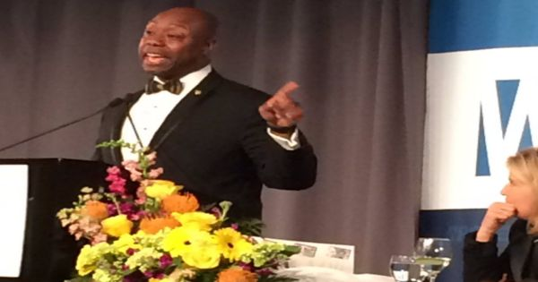 3/1/17 'Y'all remember Bill Clinton? Much worse done on that couch': Sen. Tim Scott wins at the WPCF dinner