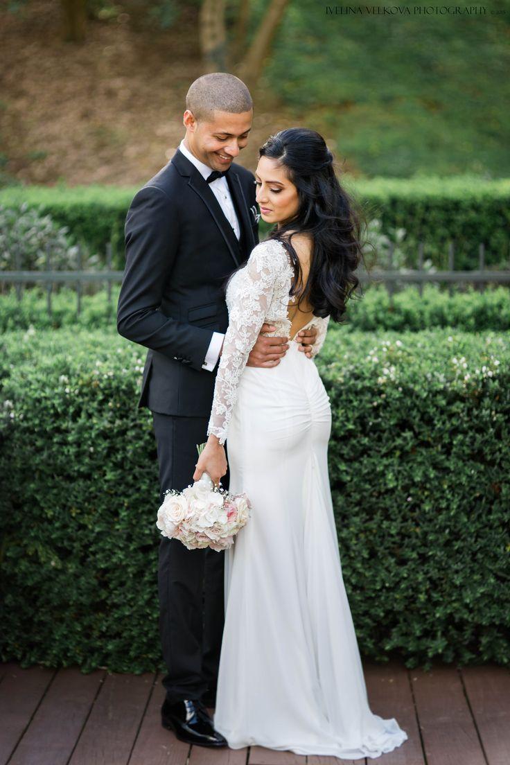Bride and Groom. Bracu wedding. http://ivelinavelkova.com/
