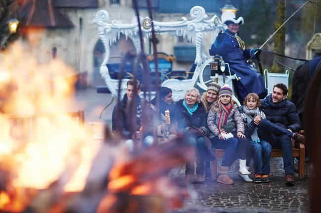 Winter Efteling: gezelligheid, vreugdevuren en winterse sprookjes