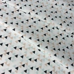 Tkanina WILD MOUNTAIN góry trójkąty do tipi mięta beż na białym bawełna