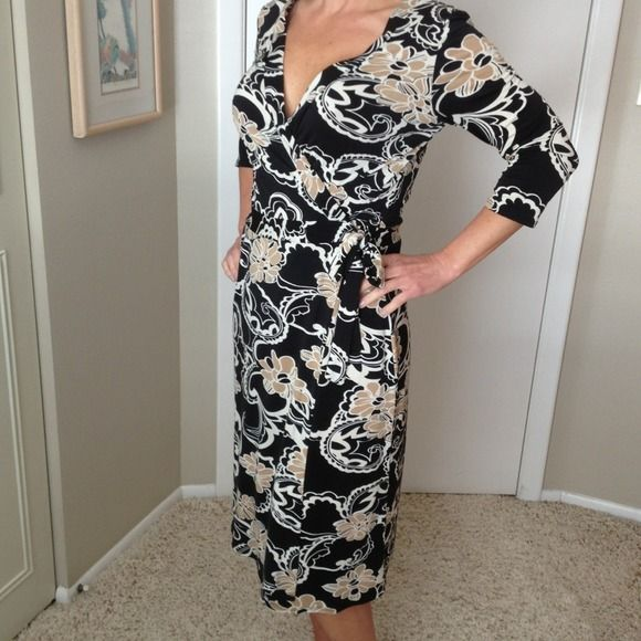 HOST PICK ⬇ Wrap dress in black/cream/tan 3/4 sleeve...poly but very soft and comfy. Ties at waist...adorable! b smart Dresses
