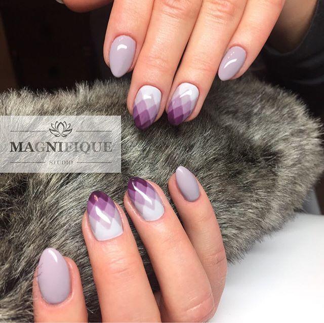 Ombre geometryczne nails #ombrenails #ombregeometryczne #pazurkihybrydowe #paznokcieżelowe #naildesigns #nailstagram #nailsofinstagram #partynails #lilanails #outumnnails #indigo #indigonails
