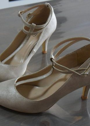 À vendre sur #vintedfrance ! http://www.vinted.fr/chaussures-femmes/escarpins-and-talons/30005067-escarpin-beige-paillete
