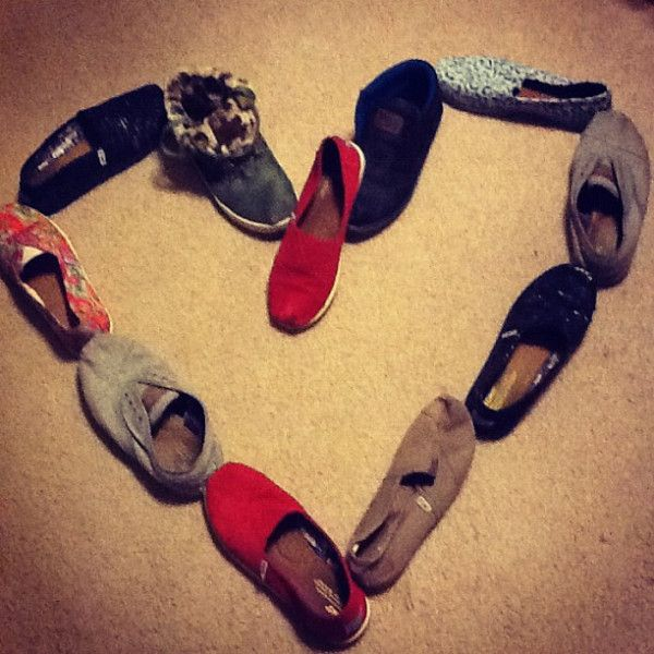 TOMS!Tom Outlets, Women Fashion, Tom On, Tom Shoes, Kids Sales, Tom 3, Classic Shoes, Shoes Galore, Shoes Outlets