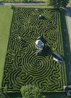 hedge maze made of 16,000 yew trees on 1.48 acres.A Maze, Secret Gardens, Wiltshire England, Longleat Maze, Hedges Maze, Places, Gardens Maze, Longleat Hedges, Labyrinths
