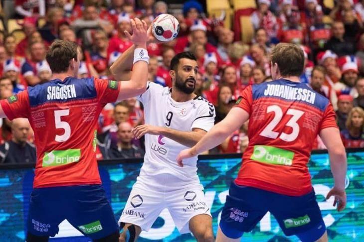 منتخب مصر لكرة اليد يخسر بظلم تحكيمي أمام منتخب الدنمارك في كرة اليد بالمونديال Jersey Sports Jersey Sports