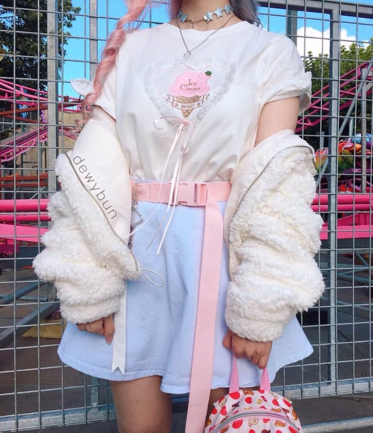 Welcome to Episode 4 of Kawaii Fashion Snap where we get to know all about the kawaii girls of the world and their fashion. Each girl in this series has Pastel Outfit, Pink Outfits, Pretty Outfits, Cute Outfits, Pastel Fashion, Cute Fashion, Girl Fashion, Fashion Outfits, Fashion Styles