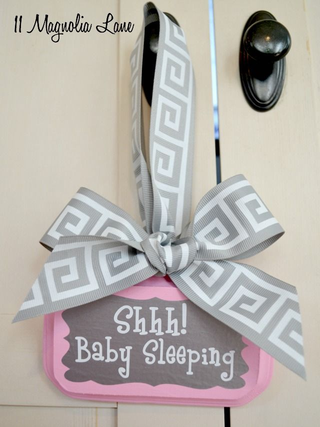 Pink and gray baby sleeping sign, a fun Silhouette vinyl project (would make a cute baby show gift idea!) | 11 Magnolia Lane