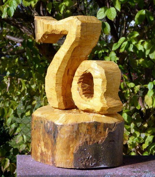 Hausnummer 1-99 Massivholz m. Motorsäge geschnitzt von Ritsche Ratsch Holzkunst auf DaWanda.com