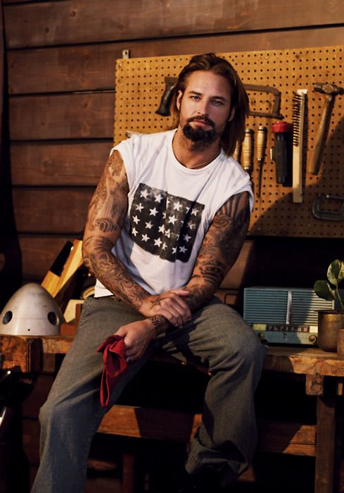 Josh Holloway my favorite LOST character!!