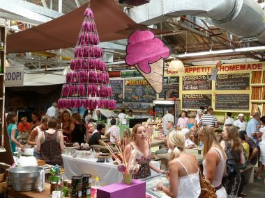 Cape Town market browsing under cover – Cape Town Tourism - Bay Harbour market.  Went there a few weeks ago for the 1st time.  Was fabulous!
