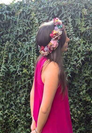 Coronas de flores preservadas para novias e invitadas de bodas rústicas y en el campo