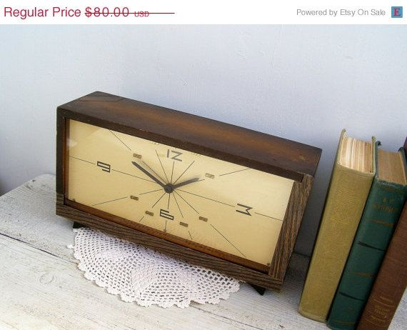 Silvester Verkauf Mitte Jahrhundert Holz Uhr, 70er Jahre Stil minimalistisch Rechteck braun, längliche Clock, Mad Men Büro Dekor, Fire Place...