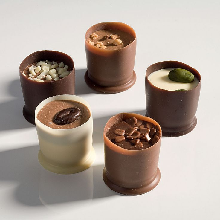 Belgian pralines in chocolate cups