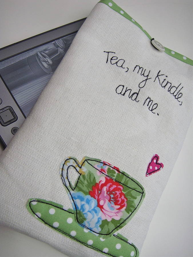 I soooo want this!!!!! Except instead of tea it would say Coffee...gosh I wish I could sew better!