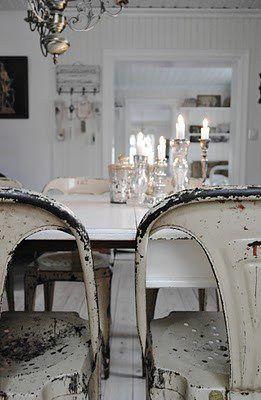 rustik-indretning-stue-vintage-factory-spisestue-raa-bolig-traaebord-plankebord