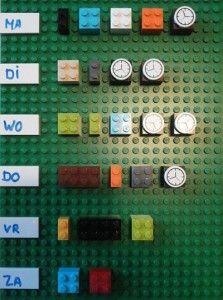 (Huis)werk plannen met lego. Praktisch, inventief en uitnodigend! Ideaal voor beelddenkers, warhoofden en voor wie het gewoon leuk en handig vindt natuurlijk. De losse onderdelen koop je op http://www.toypro.com/nl(een tip op zich!)Meer #leertips op http://www.pinterest.com/ekkomikndrcch/leren-leren/ of volg gewoon alle borden van ekkomi via http://www.pinterest.com/ekkomikndrcch/