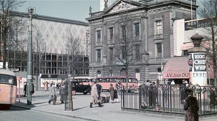 Coolsingel met Erasmiaans Gymnasium 1939
