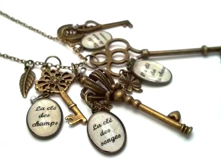 Sautoir vintage rétro délicieusement poétique composé de 4 clés (la clé du bonheur, des champs, des songes et la clé de mon coeur !) chez www.alittlemarket.com/boutique/mamzlfifine-93966.html