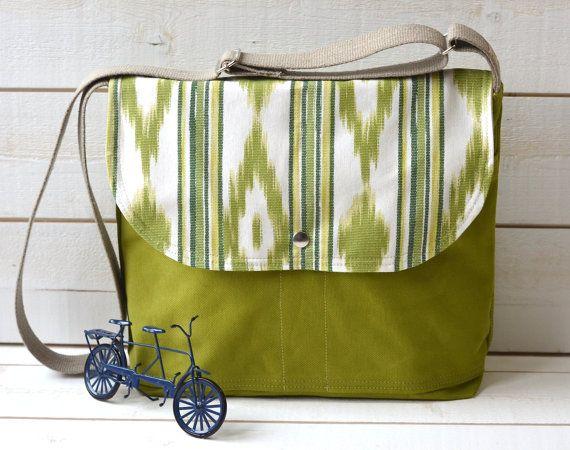 new #handmade #fashion #paris: Unisex Medium, Backpacks, Travel Bags, Apples Green, Messenger Bags, Women Bags, Crosses Body Bags, Ipad Messenger, Handbags Heavens