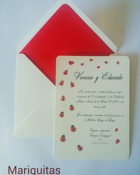 Invitaciones pintadas con motivos florales o insectos en acuarela y lápiz de color.