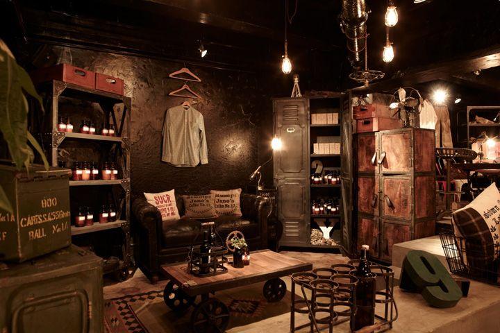 wudai shiguo store hong kong store design youtube downloader shop interior pinterest. Black Bedroom Furniture Sets. Home Design Ideas